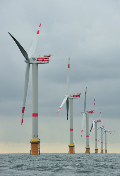 Offshore wind turbines in the North Sea (Photo: Yves Adams / Vilda)